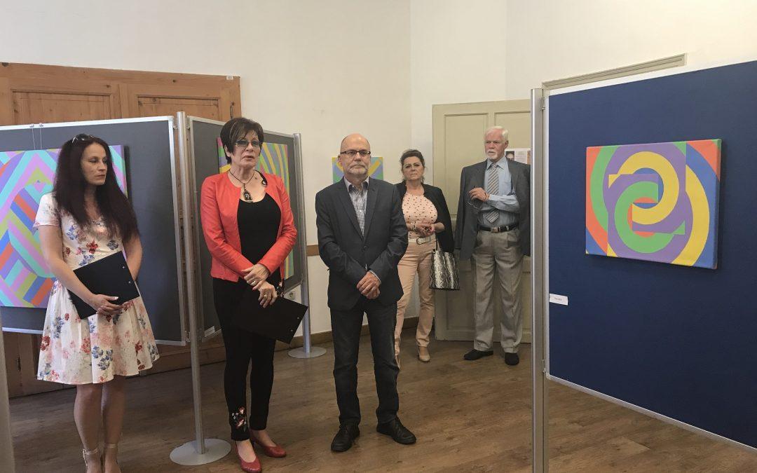 Képzőművészeti kiállítás és borkóstoló a Felvidék Ház szervezésében