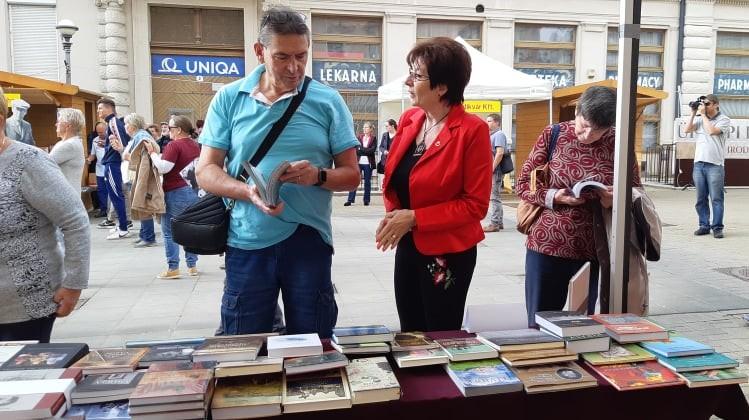 Külhoni magyar könyvekkel is gazdagítottuk a miskolci ünnepi könyvhetet